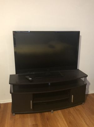 Tv & Tv table for Sale in Los Angeles, CA
