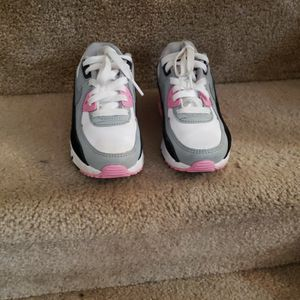 Size 13 Air MAX Little Girl for Sale in District Heights, MD
