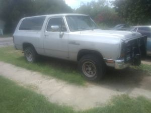 Dodge Ramcharger 4*4 for Sale in San Angelo, TX