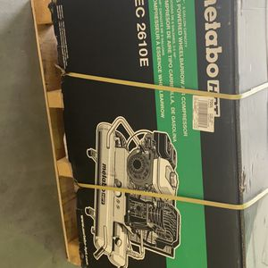 Metabo HPT 8-Gallon Single Stage Portable Corded Gas Horizontal Air Compressor for Sale in Gilbert, AZ
