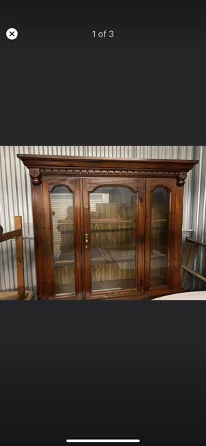 Wood China Hutch/Cabinet for Sale in Auburndale, FL
