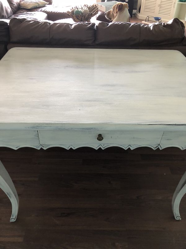 Distressed table/desk