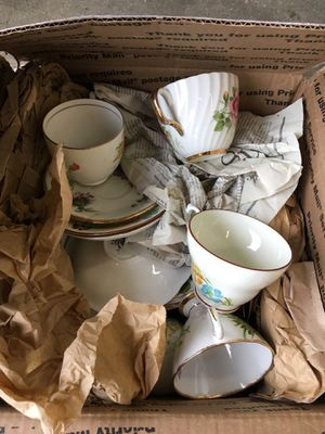 Mixed Lot of Antique Vintage Porcelain Glass Tea Cups RN653 for Sale in Joint Base Lewis-McChord, WA