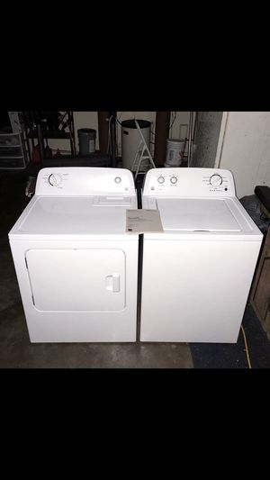 1 year old matching Kenmore High efficiency XL Capacity Washer & Dryer(comes with hookups). Can deliver if needed. for Sale in New Port Richey, FL