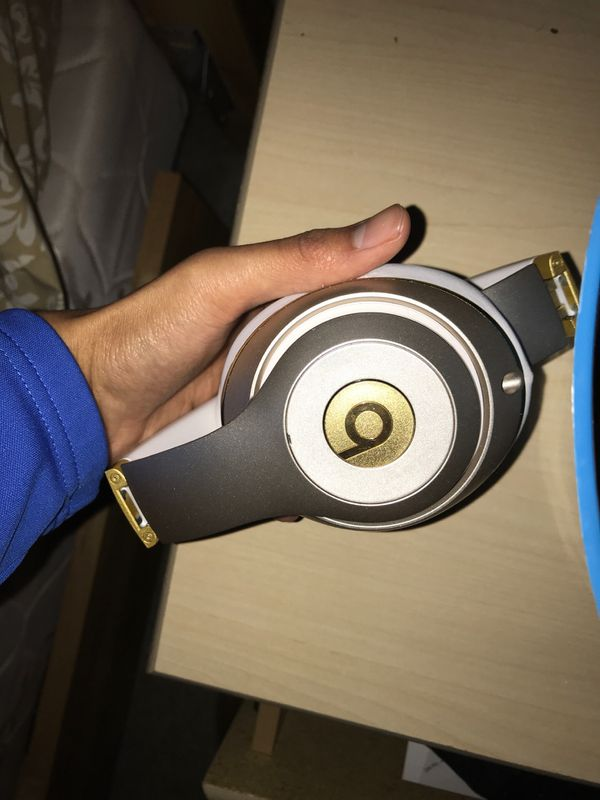 Beats Studio Wireless Headphones (Bluetooth)