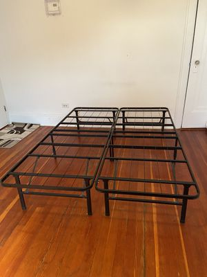 Zinus Shawn SmartBase Mattress Foundation for Sale in Queens, NY