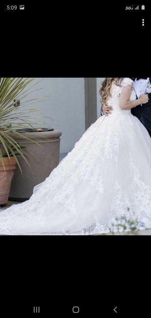 Size 42 euro wedding dress paid 3200 for Sale in El Cajon, CA