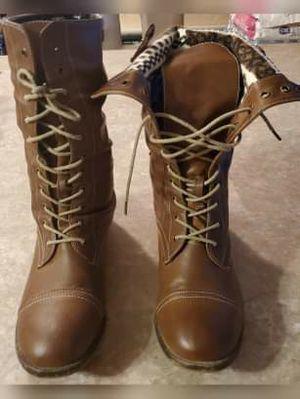 Brown winter boots for Sale in Phoenix, AZ