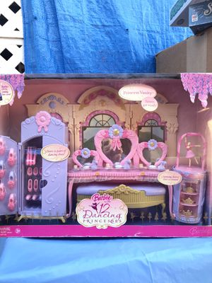 Barbie 12 Dancing Princesses Playset 2006 New for Sale in Azusa, CA