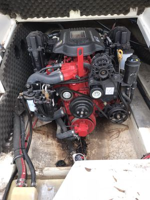 23 foot 2008 Azuri. 5.7 V 8 Volvo Pentam engine. Premium package. In very good condition . for Sale in San Angelo, TX