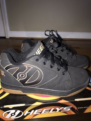 """Brown and black heelys size 6y """"used"""" for Sale in Smyrna, GA"""