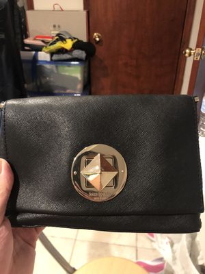 Kate spade crossbody twist lock for Sale in Queens, NY