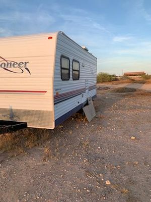 18t6 Pioneer travel trailer for Sale in Phoenix, AZ
