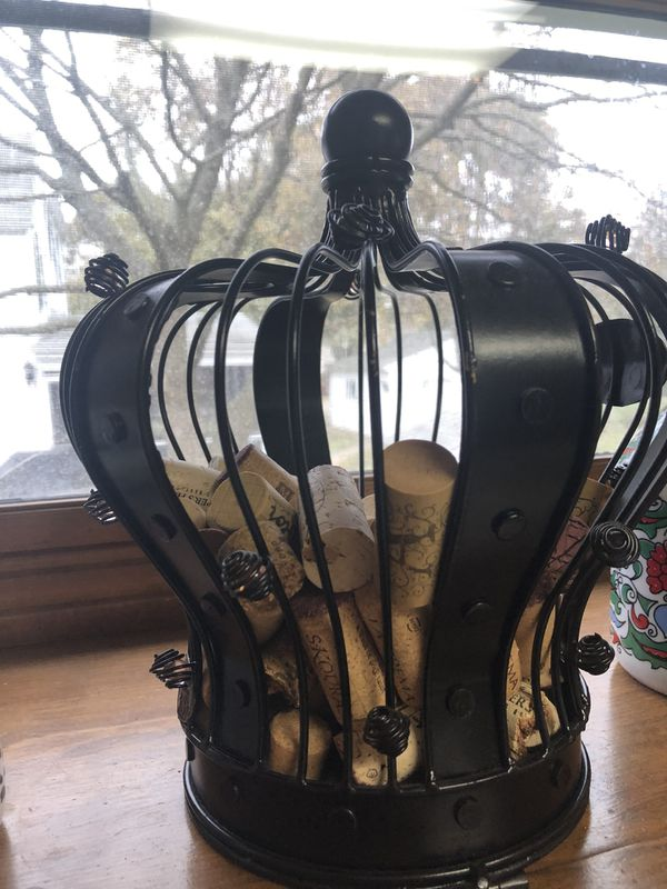Crown Wine Cork Holder