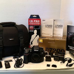Nikon D7200 24.2 Megapixel Camera Body With Camera Bag for Sale in Virginia Beach, VA
