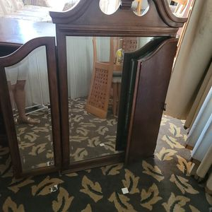 Drawers With Mirror for Sale in Haines City, FL