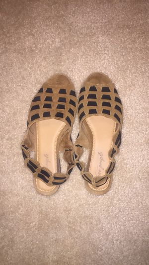 New Free People Suede Woven Sandals Sz 8 for Sale in Springfield, VA