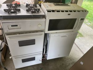 Kitchen Appliance set - double oven, dishwasher, gas range top and microwave ~2011 for Sale in Kirkland, WA