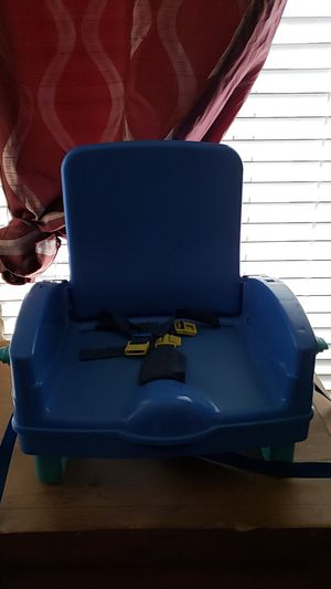 Booster seat for kids to sit at table with family for Sale in Phoenix, AZ
