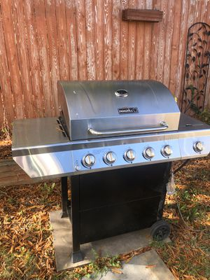 Bbq grill for Sale in Washington, DC