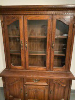 Antique China Caninet for Dining Room for Sale in Sugar Land, TX