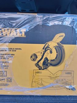Dewalt 15 Amp Corded 12 in. Compound Double Bevel Miter Saw for Sale in Las Vegas,  NV