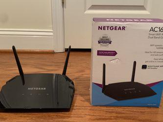 NETGEAR AC1600 Dual Band Gigabit WiFi Router (R6260) for Sale in Centreville,  VA
