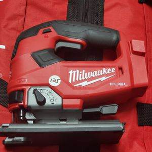 Milwaukee M18 FUEL 18-Volt Lithium-Ion Brushless Cordless Jig Saw (Tool-Only) for Sale in Jersey City, NJ