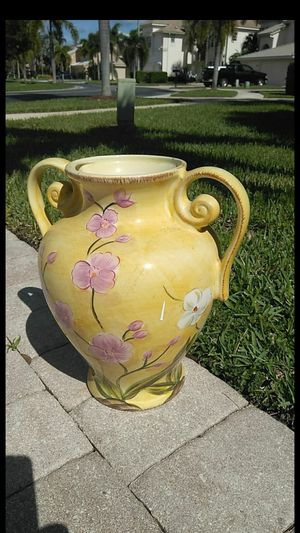 Hand painted Chinese ceramic vase. for Sale in Loxahatchee, FL