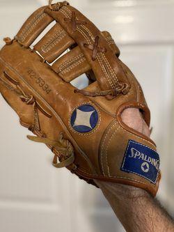 Vintage Spaulding Left handed Softball Mitt for Sale in Palm Harbor,  FL
