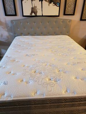 Queen size bed for Sale in San Bernardino, CA