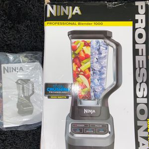 Ninja Professional Blender 1000 Watts for Sale in Anaheim, CA