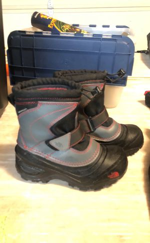 North Face snow boots for kids for Sale in Oceanside, CA