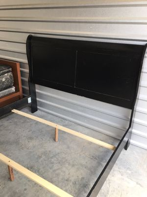 Queen bed frame for Sale in Edna, TX