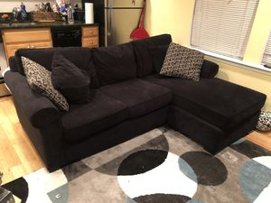 Black suede sectional with pull out bed for Sale in Washington, DC