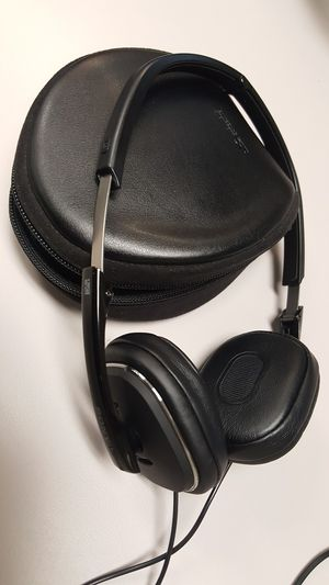 Sony noise canceling headphones for Sale in Kent, WA