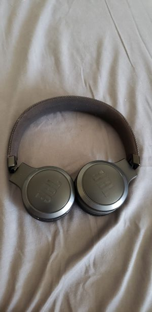 Jbl wireless headphones with Google for Sale in Diamond Bar, CA