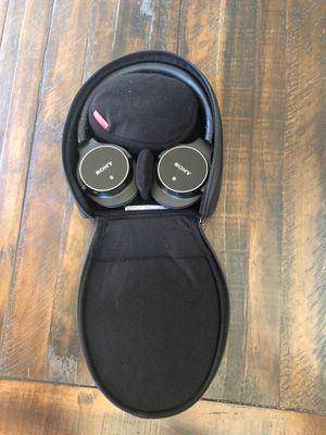 Sony Bluetooth noise canceling headphones for Sale in Maple Valley, WA