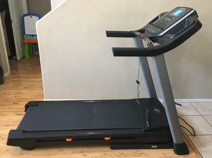 Like New NordicTrack T 6.5 S Treadmill for Sale in Surprise, AZ