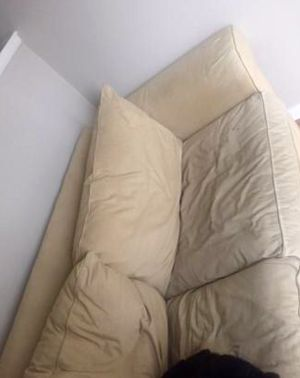 30$ couch must go and must pick up for Sale in Santa Monica, CA
