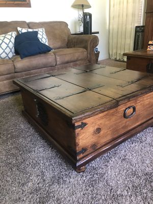 Rustic storage coffee table for Sale in Ontario, CA