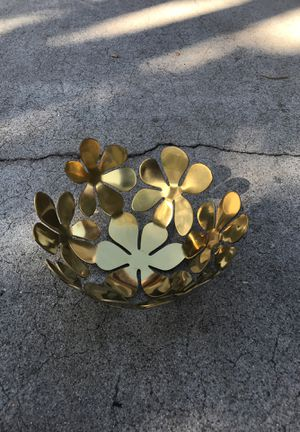 Gold Flower bowl for Sale in Lynwood, CA