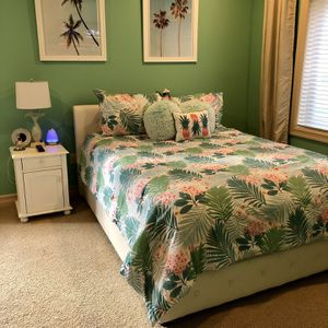 Queen Size Bedroom Set for Sale in Gig Harbor, WA