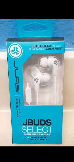 New Earphones With Mic Control Super Bass for Sale in Riverside, CA