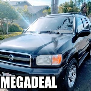 Nissan Pathfinder limited Platinum edition for Sale in Newport Beach, CA