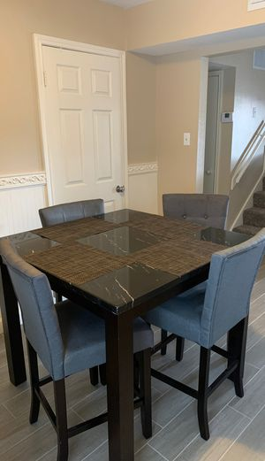 Kitchen table good condition. Must pick up for Sale in Webster, TX