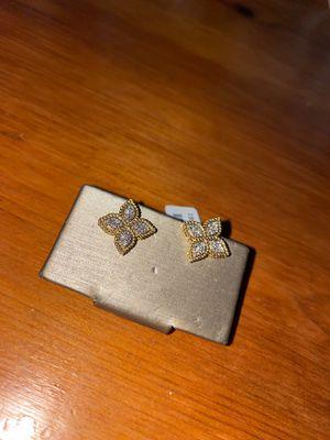 Flower diamond stud earrings for Sale in Federal Way, WA