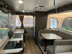 2019 Rockwood HW296 Pop up trailer camper for sale for Sale in Cypress, TX