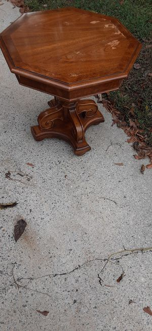 End table for Sale in Greenville, SC
