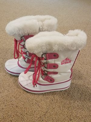 Girl snow boots size 12 12 toddler child for Sale in Gilbert, AZ